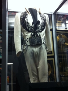 I don't blame Elvis. I'd wear this every day, too.