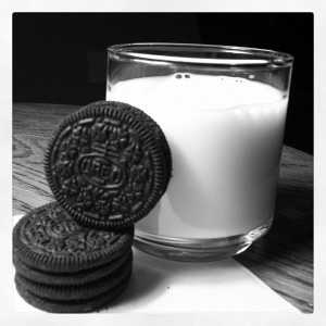 2-oreos-and-milk